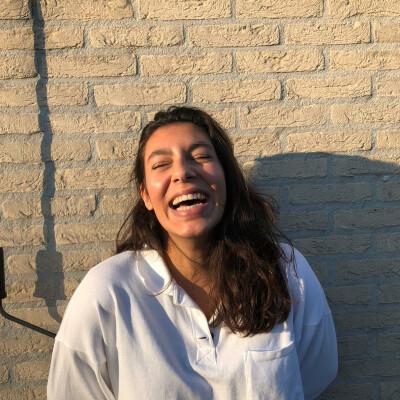 Frederique zoekt een Kamer / Studio / Appartement in Rotterdam